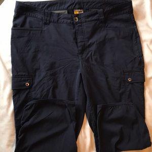 Eddie Bauer size 14 navy blue Capri pant